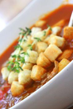 Jonathan kom hem på lunchen och vi åt tomatsoppa med pasta, bacon och krämig fetaost.Det är ett favoritrecept på en smakrik soppa- men barnen tycker inte om den….. Men en soppa som är mer barnvänlig är den här cowboy-soppan, bara namnet gör ju att barnen tycker den låter spännande. Cowboysoppa Receptet … Läs mer