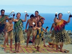 The History of Maori Culture are the indigenous people of New Zealand. They are Polynesian and make up 15 percent of the country's population. Te Reo Maori Culture is their native language which is related to Tahitian and Hawaiian. Beautiful World, Beautiful People, New Zealand Tours, West Papua, Aboriginal People, World Of Color, First Nations, People Around The World, Traditional Dresses