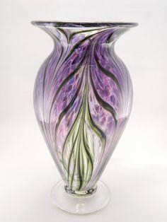 Hand Blown Art Glass Vase – Lavender and Hyacinth Purple Mundgeblasene Art Glasvase – Lavendel und Hyazinthe Lila Blown Glass Art, Art Of Glass, Glass Vase, Cut Glass, Fused Glass, Stained Glass, Cristal Art, Vases, Design Floral