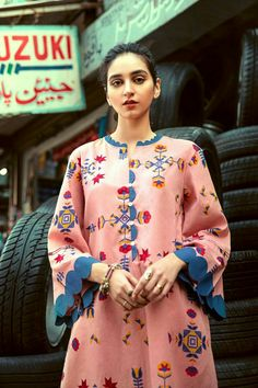 Details-Lawn Shirt -Cambric Piece Size & Fit:-Model height is is wearing XS size. Kurti Sleeves Design, Sleeves Designs For Dresses, Neck Designs For Suits, Kurta Neck Design, Neckline Designs, Dress Neck Designs, Simple Kurti Designs, Stylish Dress Designs, Kurta Designs Women