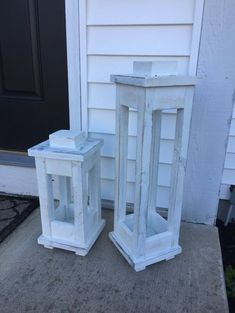 to Make Wooden Lanterns with Scrap Wood free wooden lantern plans - make a tall and short one with scrap wood!free wooden lantern plans - make a tall and short one with scrap wood! Scrap Wood Projects, Woodworking Projects Diy, Woodworking Furniture, Woodworking Plans, Popular Woodworking, Furniture Plans, Unique Woodworking, Furniture Dolly, Furniture Movers