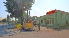 Pawilon handlowo-usługowy w centrum Bierunia to doskonałe miejsce dla własnego biznesu. Powierzchnia użytkowa liczy 280 m² ! Zapraszamy do kontaktu! Agent nieruchomości: Marta Kulawik Telefon: + 48 665 167 906 http://remax-gold.pl/oferta/pawilon-handlowo-uslugowy-przy-ulicy-oswiecimskiej