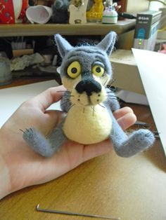 "Master class on felting wolf from m / f ""lived a dog"" - Fair Masters - handmade, handmade Needle Felted Cat, Needle Felted Animals, Felt Animals, 3d Figures, Needle Felting Tutorials, Felt Cat, Retro Toys, Wet Felting, Handmade Toys"