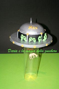 Sanca Szülinap, Ufo Cake, Arts Crafts Cakes, My Cakes, Le Mie, Future Party, Kid Cakes