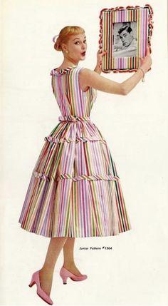 """Simplicty Patterns 1956 is that Dick York? Vintage Dresses Online, Vintage Summer Dresses, Vintage Inspired Dresses, Vintage Skirt, 1950s Dresses, Fashion Colours, Pink Fashion, Fashion Photo, Fifties Fashion"