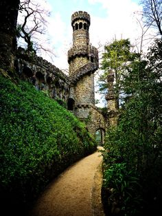 Quinta da Regaleira, Sintra, Portugal photo on Sunsurfer Sintra Portugal, Visit Portugal, Portugal Travel, Oh The Places You'll Go, Places To Visit, Beautiful World, Beautiful Places, Amazing Places, Douro