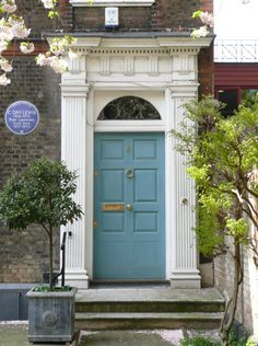 A front door in Greenwich. C. Day-Lewis's house.