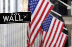 """Hyppää Wall Streetin vilinään. Paikalliset toimijat järjestävät myös """"Behind the scenes""""-kierroksia pörssiammattilaisten arkeen.  #NYC #aurinkomatkat"""