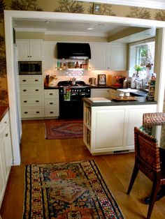 Quite possibly the perfect small kitchen!! Small Kitchen Design, Pictures, Remodel, Decor and Ideas
