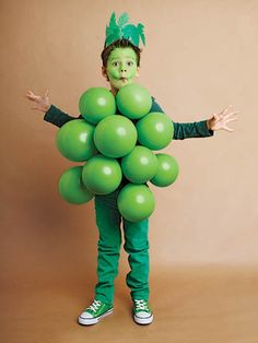 These kids halloween costumes are faster than the lineup at the party store and easier than one of those fancy pumpkin-carving stencils. Diy Costumes For Boys, Halloween Costumes Kids Homemade, Creative Costumes, Toddler Costumes, Boy Costumes, Halloween Cosplay, Halloween Kids, Boys Pumpkin Costume, Falcon Costumes