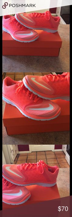 🎉HOST🎊PICK🎉women's Nike fit sole lite run 🏃 3 New n box women's Nike fit sole lite run 3 running shoes in hyper orange , atomic pink , and white Nike Shoes Athletic Shoes