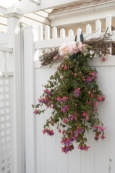 would prefer something besides pink but cute gate idea...