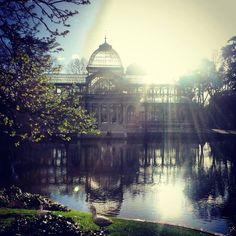 Zonnige dag in het Retiro Park - Madrid City Of God, Places Ive Been, Taj Mahal, Spain, World, Building, Summer, Suitcase, Travelling