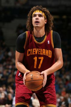 Anderson Varejao #17 of the Cavs shoots the ball against the Minnesota Timberwolves on November 13, 2013 at Target Center in Minneapolis, Minnesota. Copyright 2013 NBAE (Photo by David Sherman/NBAE via Getty Images)