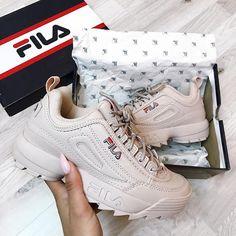 "1,038 mentions J'aime, 11 commentaires - ⠀ I a m R a c h e l⚜ (@i.am.rachel) sur Instagram : "" #onygobabe ____________________________________ #picoftheday #pictureoftheday #sneaker…"""