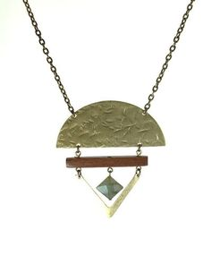 Trivo Necklace