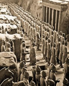 Terracotta Army in Xi'an, China. http://www.regent-holidays.co.uk/country/china-holiday-collection/