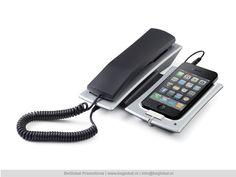 #productvandedag iPhone standaard en handset met USB en mini USB poort en mini USB oplaadkabel #relatiegeschenken