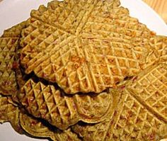 Low-Carb-Pizzawaffeln Low Carp, Low Carb Pizza, Food Hacks, Waffles, Keto, Healthy Recipes, Healthy Food, Bread, Cooking