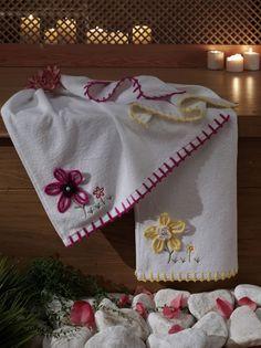 Çeyizlik havlu modelleri... Linen Towels, Dish Towels, Crochet Potholder Patterns, Crochet Towel, Baby Accessories, Kitchen Towels, Diy For Kids, Hand Embroidery, Diy And Crafts
