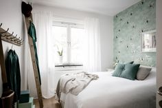 Love the wallpaper Good Morning Good Night, Other Rooms, Dream Bedroom, Home Projects, Bungalow, Sweet Home, Curtains, Interior Design, House Styles