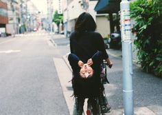 By 梅佳代 (Ume Kayo)
