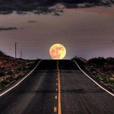 Moon pretty moon...