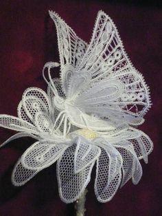 Irish crochet &: Butterflies for Irish lace Needle Lace, Bobbin Lace, Irish Crochet, Crochet Lace, Lace Patterns, Crochet Patterns, Romanian Lace, Types Of Lace, Butterfly Quilt