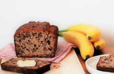 Nutty Banana Bread with a Twist Food Hacks, Banana Bread, Protein, Pregnancy, Sugar, Cakes, Traditional, Healthy, Desserts