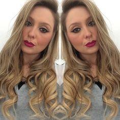 Olá meninas! Sou a Mari da UltraHair e hoje vim mostrar o meu UltraHair, amooo o Kit de 05 peças da linha Extension no tom loiro. Meu cabelo não é tão curto mas é muitooo ralinho então uso o meu para dar volume e poder fazer cachos maravilhosos com o babyliss!!! A make também fui eu que fiz hehe  XoXo #ultrahairbrasil #nofilter #extensõesdecabelo #amo