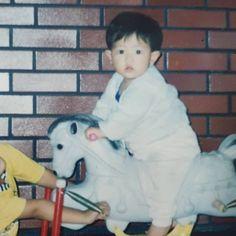 when my lemma was a little baby. Baekhyun, Chanyeol Cute, Park Chanyeol Exo, Kris Wu, Childhood Images, Fandom, Blackpink Photos, Exo Members, Kpop