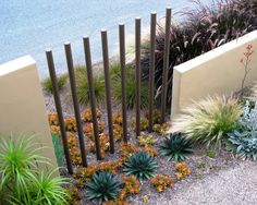 Rod Fence | Contemporary Landscape Design
