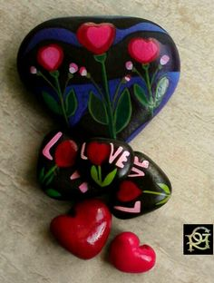 Cuori di pietra -Painted Stones di Rosaria Gagliardi