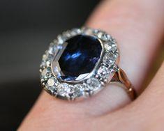 Vintage Sapphire & Diamond Cluster Ring