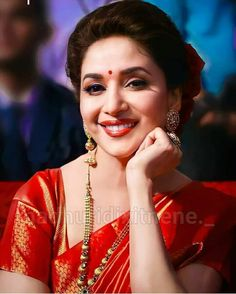 Beautiful Bollywood Actress, Beautiful Indian Actress, Madhuri Dixit, Indian Actresses, Sari, Beauty, Queens, Lips, Simple