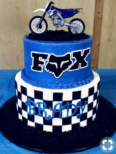 Ideas Dirt Bike Birthday Ideas Motocross For 2019 Dirt Bike Party, Dirt Bike Cakes, Bike Birthday Parties, Dirt Bike Birthday, Motorcycle Birthday, Motocross Birthday Party, Baby Boy Birthday, Birthday Fun, Cake Birthday