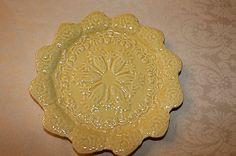 BORDALLO PINHEIRO BUNNY RABBIT SALAD PLATE YELLOW NEW (MORE AVAILABLE)