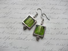 Lime green glass tile earrings de la boutique BijouxdeBrigitte sur Etsy