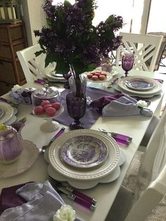 Who says you can't have lilacs in southwest Florida? Find a bunch of fresh lilacs on line and add a lilac sashay and you have lilacs! Christmas Tablescapes, Dinner Is Served, Deco Table, Decoration Table, Table Settings, Place Settings, Dinner Table, Fine Dining, Lilac