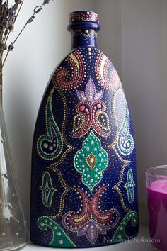 (Old Monk Bottle Painting) Bottle Painting, Dot Painting, Ceramic Painting, Wine Bottle Art, Wine Bottle Crafts, Bottles And Jars, Glass Bottles, Jar Art, Mandala Dots