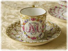 Need to pin this: I am in love with this fancy tea cup from maria theresia♡