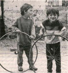 Gypsy children playing in the Eastern Slovakian town of Krompachy, 1991 (source: Isabel Fonseca, Bury me standing, 1995)