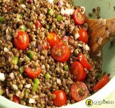 Φακές σαλάτα με μπαλσάμικο Οι φακές είναι μια από τις πολύ αγαπημένες μου πρώτες ύλες. Γι' αυτό πολλές φορές αποτελούν το κυρίως πιάτο του μεσημεριανού μου γεύματος.