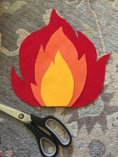 Make your own adorable felt campfire! Easy DIY by Frugal in Fairfield – Frugal I… Make your own adorable felt campfire! Easy DIY by Frugal in Fairfield – Frugal In Fairfield Felt Diy, Felt Crafts, Felt Food Patterns, Christmas Card Crafts, Baby Sewing Projects, Paper Crafts Origami, Craft Day, Felting Tutorials, Diy Camping