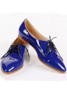 Pointed-toe Lace-up Shoes