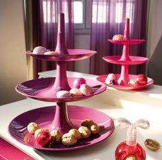 Babell Etagere von Koziol. Mit Nüssen und Plätzchen wird die Etagére zum Mittelpunkt jeder Tischdeko zu Weihnachten. Aber aufpassen: nicht Naschen bevor das festliche Essen verspeist ist! http://www.ikarus.de/marken/koziol.html