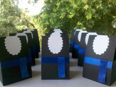 lembrancinha-para-formatura-beca-fisica 8th Grade Graduation, Preschool Graduation, Graduation Gifts, Grad Parties, Party Themes, Origami, Centerpieces, Scrap, Presents