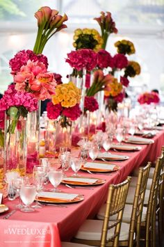 Great table setting for a summer dinner party.