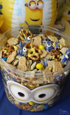 Minion Munch Party Mix Minion Party Food, Despicable Me Party, 6th Birthday Parties, First Birthday Cakes, Birthday Ideas, 4th Birthday, Minions, Minion Craft, Kids Party Themes