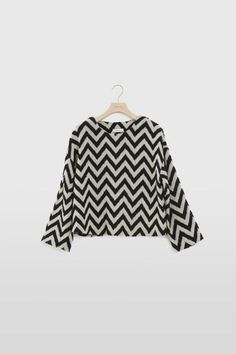 DROPPED DOWN SHOULDER PULLOVER by ÁERON